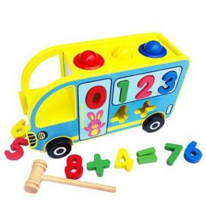 bus escolar con martillo
